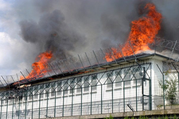 Vicennnes, fuoco al CRA (2008)