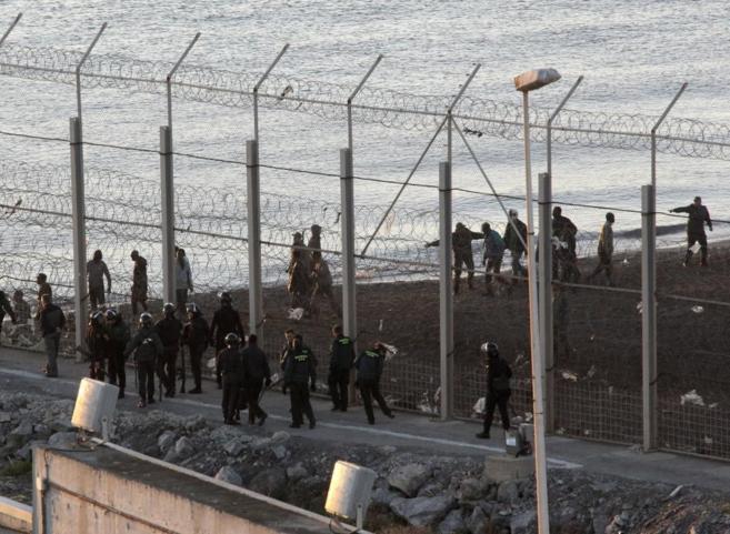 Ceuta - Le frontiere uccidono