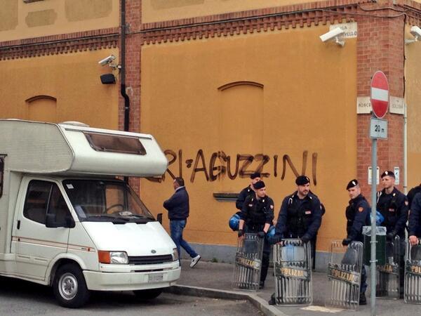 Torino 15 marzo, presidio NoCie, CRI = aguzzini