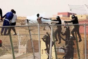 L'assalto alla frontiera di Melilla via @rubenglez