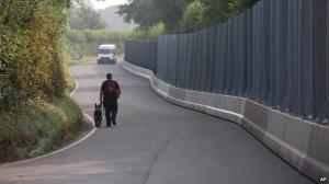 Le barriere - alte 3 metri - usate durante il veritce NATO in Newport
