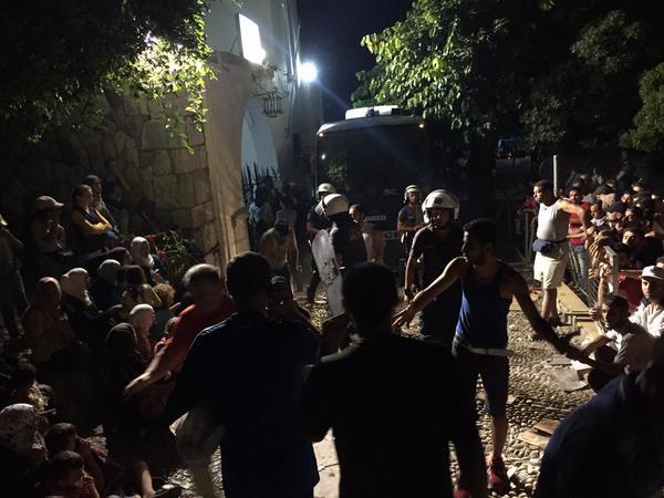 Grecia: Cariche della polizia contro i migranti