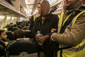 Una deportazione di Frontex dalla Grecia, Dicembre 2015